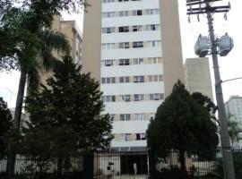 Apartamento semi - mobiliado. Av. silva Jardim